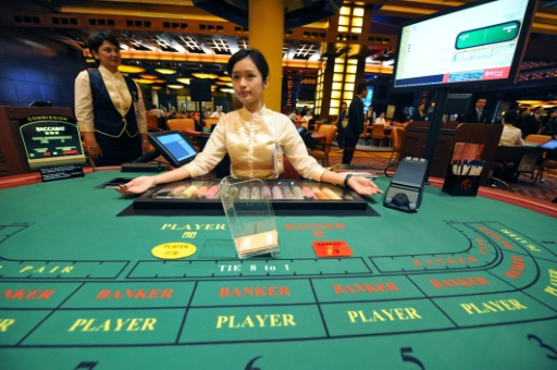 Singapore eases online gambling ban