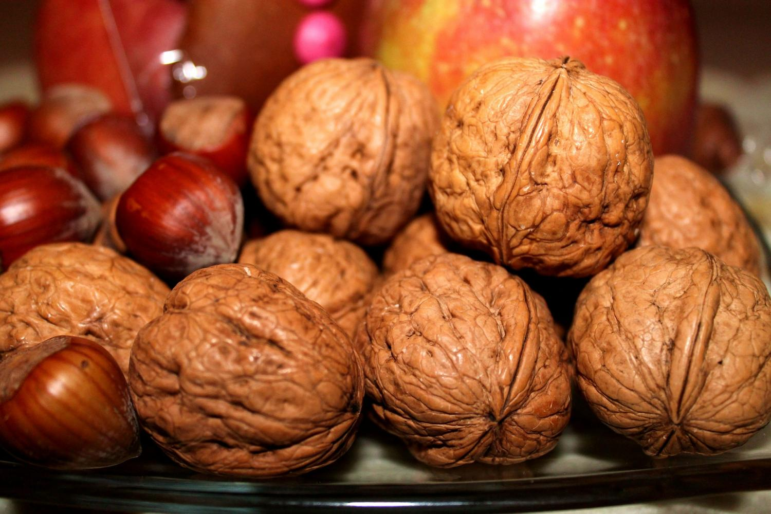 Certain Nuts May Help Ward Off Return Of Colon Cancer Study