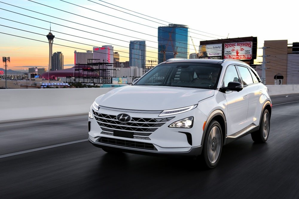 Bucking trend, Hyundai bets on hydrogen fuel cell for new car