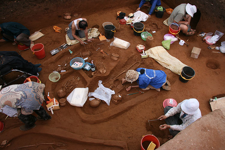 Scientists analyze first ancient human DNA from Southeast Asia
