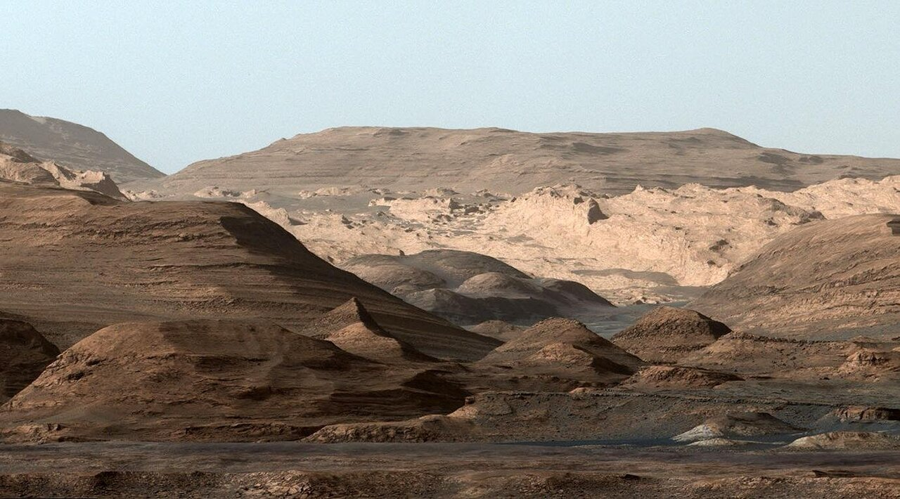 Salt deposits on Mars hold clues to sources of ancient water