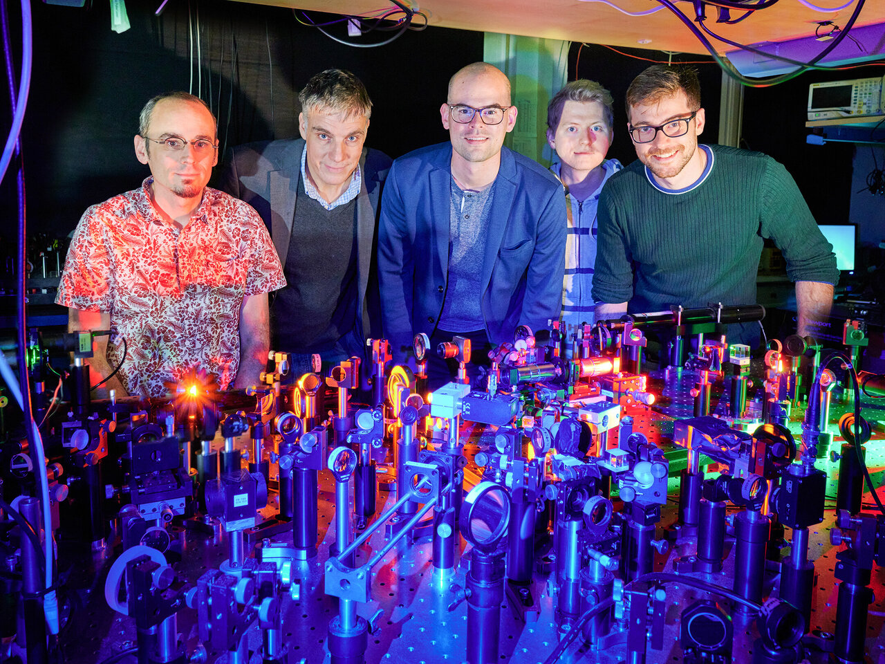 Physicists irreversibly split photons by freezing them in a Bose-Einstein condensate