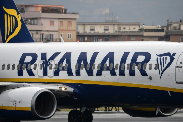 Ryanair Wizzair Fined In Italy Over Cabin Bag Policy