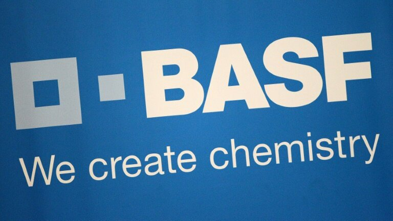 BASF counts on 2019 rebound after annual profits slump