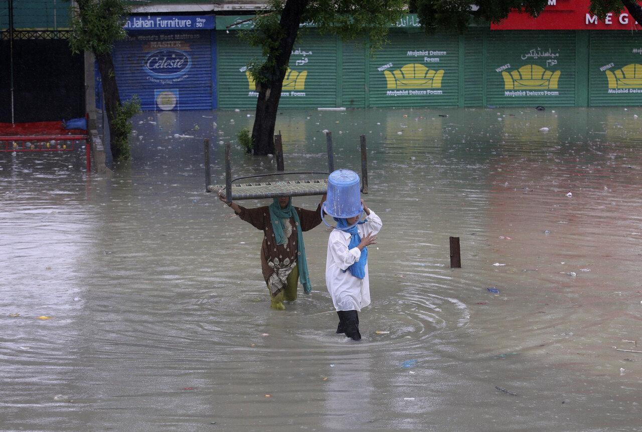 3 days of rains in Pakistan kill 90, disrupt life in Karachi