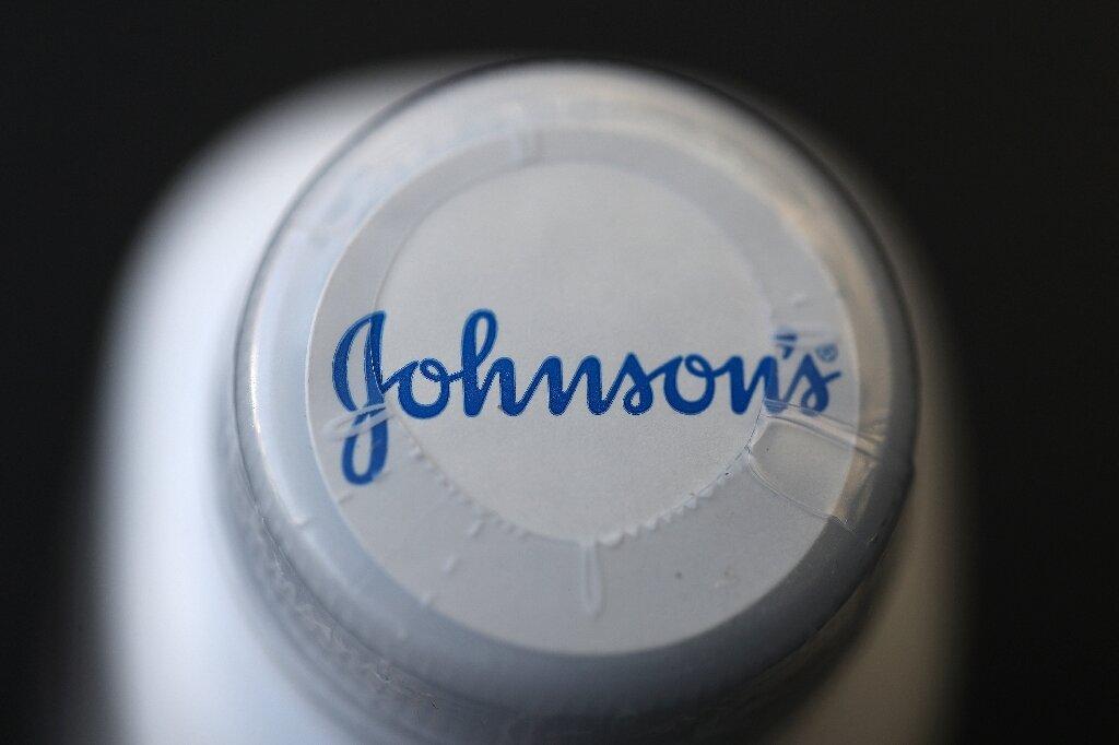 Johnson Johnson Told To Pay 2 1 Billion Over Cancer Causing Talc Powder