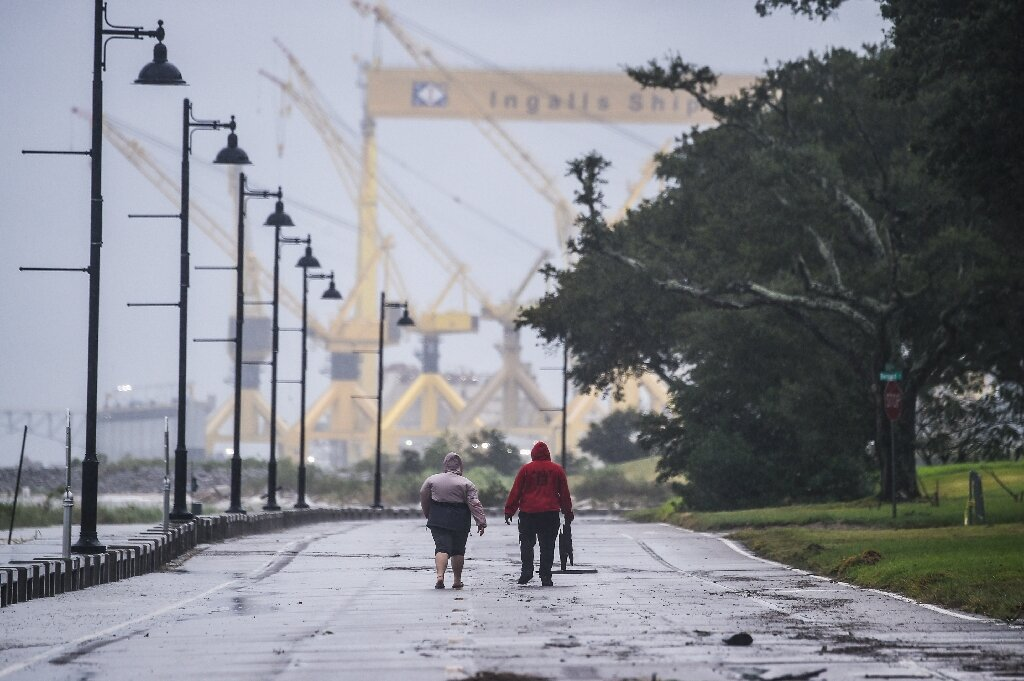 Hurricane Sally hits US Gulf Coast