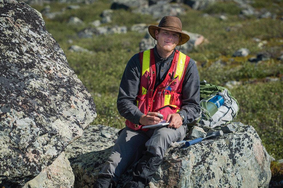 Geoscientists use zircon to trace origin of Earth`s...