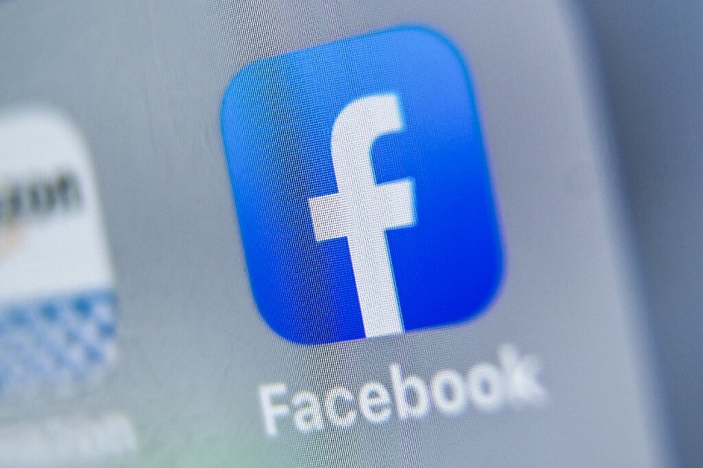 Facebook joins attack on Apple over App Store commission