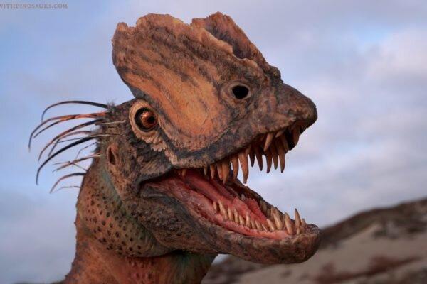 Famous 'Jurassic Park' dinosaur is less lizard, more bird thumbnail