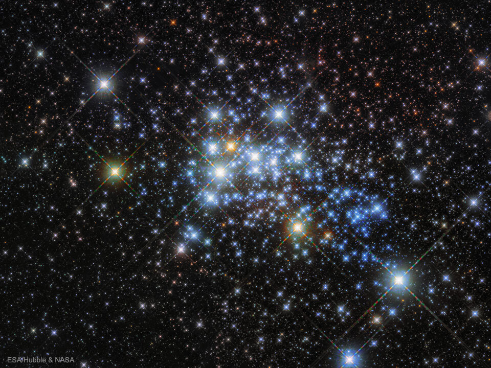 Most isolated massive stars are kicked out of their clusters