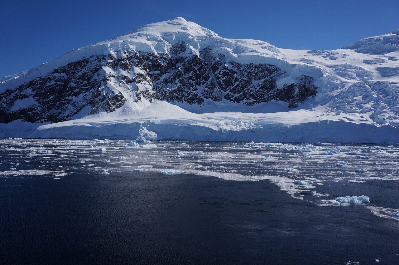 Antarctica's most important Glaciers are crumbling faster than ever