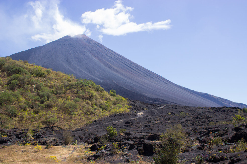Scientists identify flank instability at a volcano with history of collapse