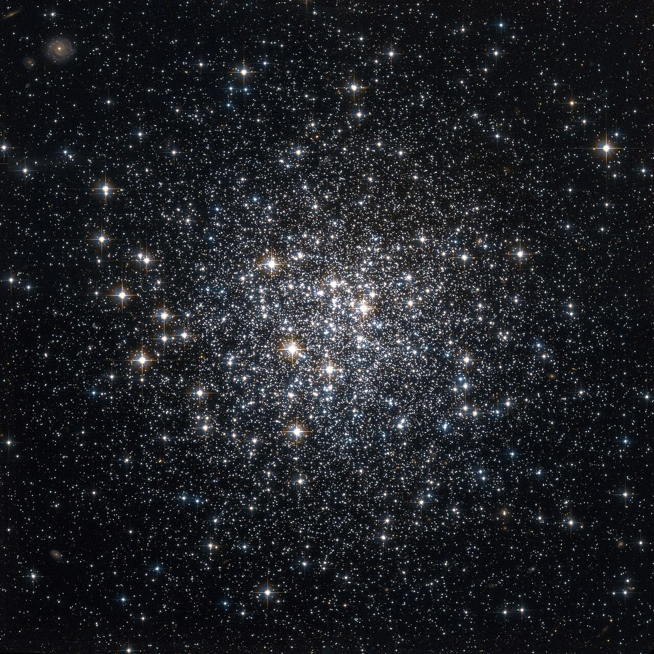 Researchers explore mass segregation of galaxy globular clusters