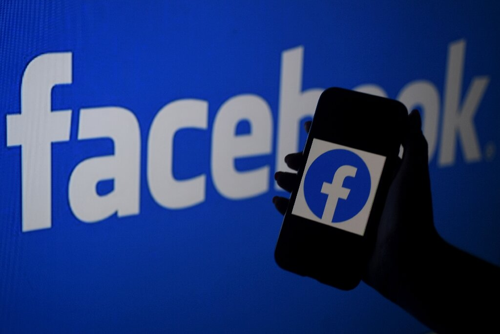 Science journal calls on scientists to combat Facebook misinformation