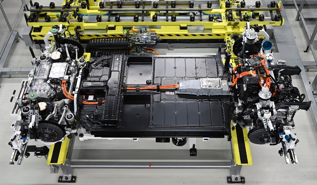 Europe sees e-vehicle battery self-sufficiency by 2025