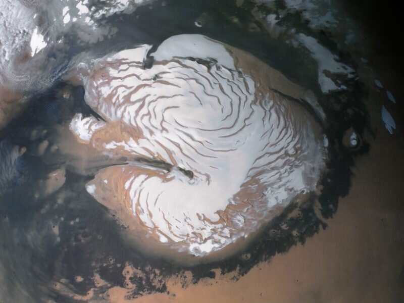 Decoding the age of the ice at Mars' north pole