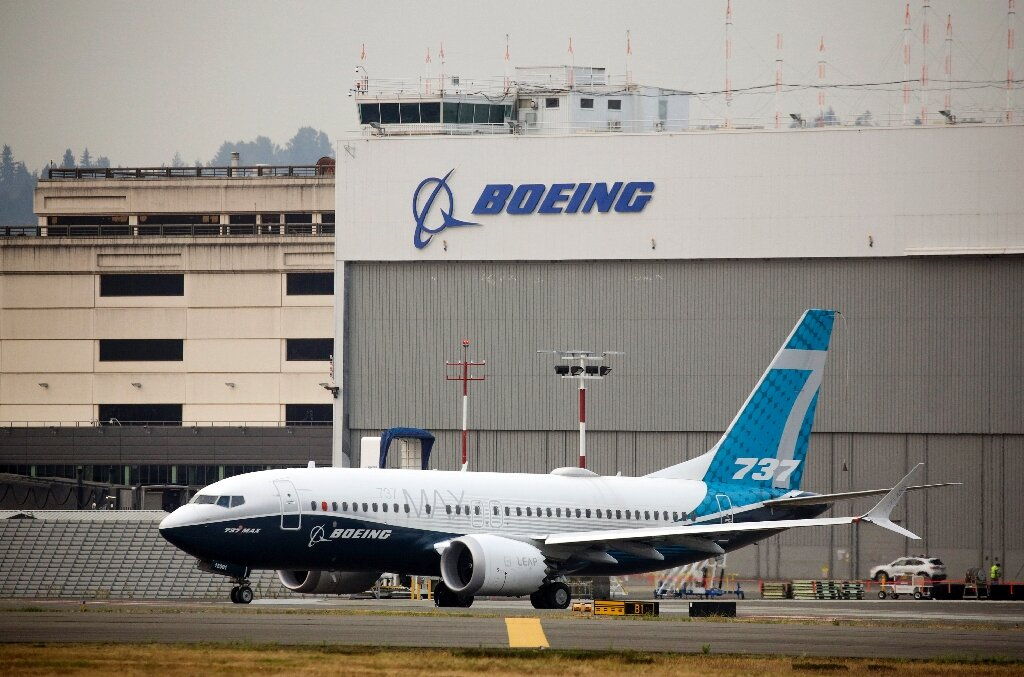 Warning light halts Boeing 737 MAX flight in Canada