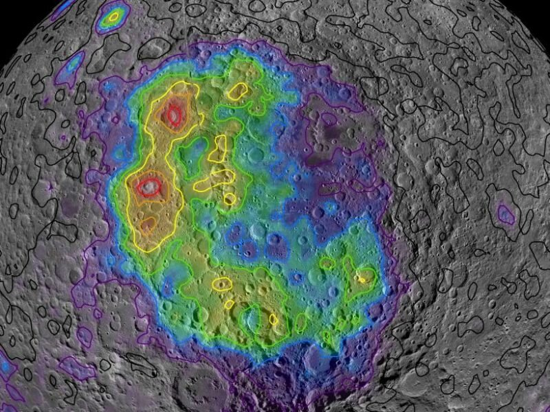 Moon's largest crater holds clues about early lunar mantle