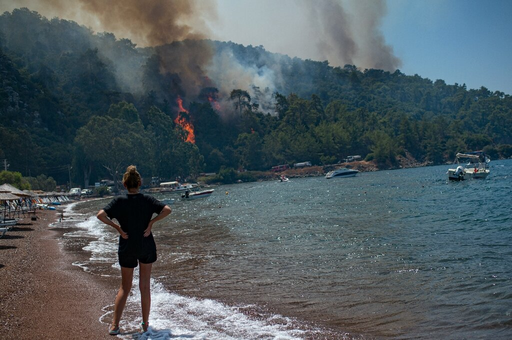 Deadly wildfire encircles Turkish power plant – Gamers Grade