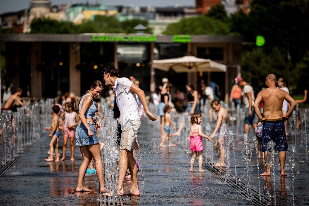The highest-ever recorded temperature in Moscow—more than 38 degrees Celsius (100.4 degrees Fahrenheit)—was recorded in July 201