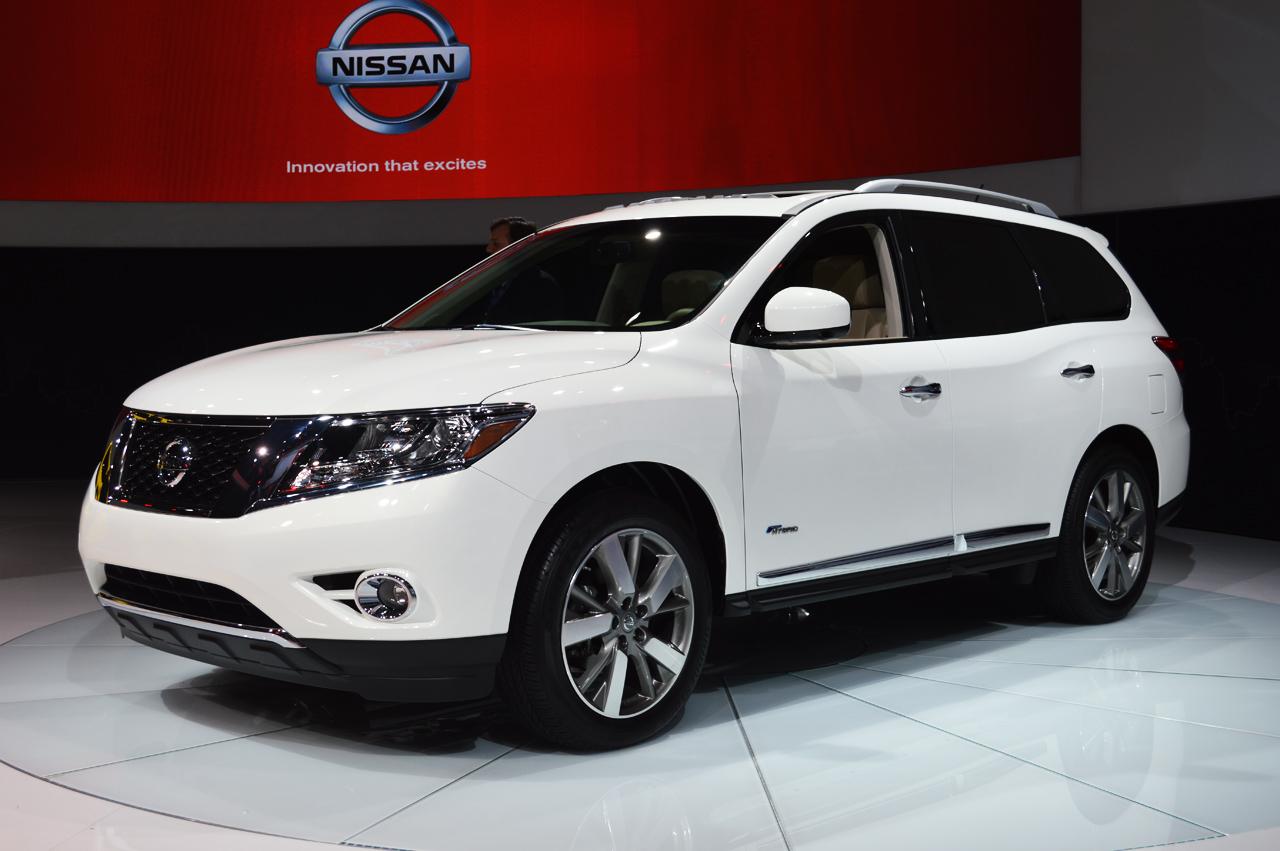 Nissan Armada Mpg >> 2014 Nissan Pathfinder Hybrid 26 Mpg Combined Fuel Economy