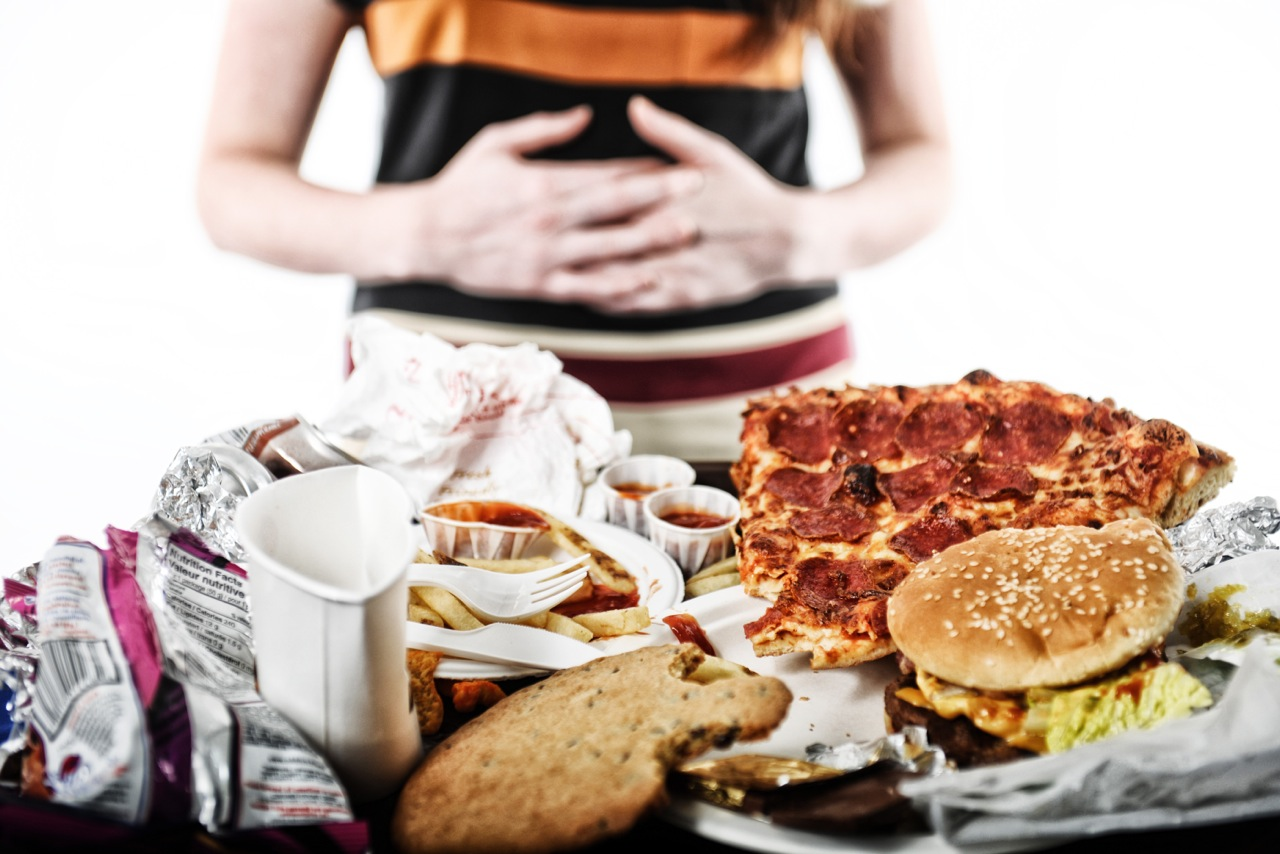 New study links binge eating to strained mother-daughter relationships