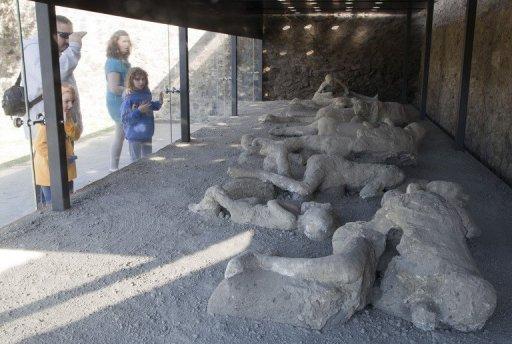 "Image result for herculaneum ruins body"""