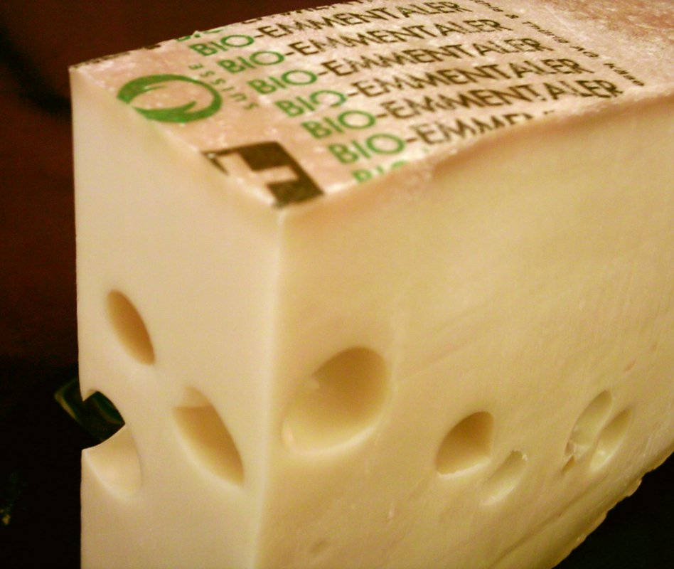 Giving good bacteria an edge in making cheese