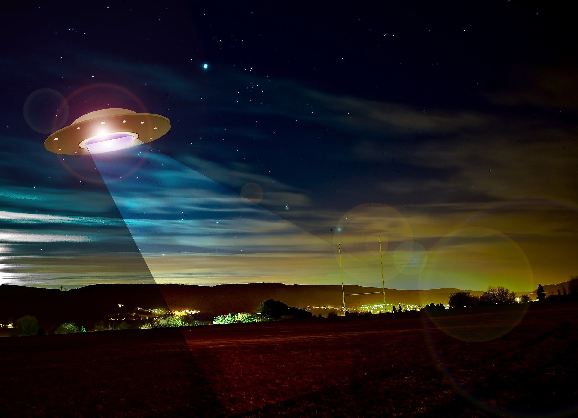 I'm an astronomer and I think aliens may be out there—but UFO sightings aren't persuasive