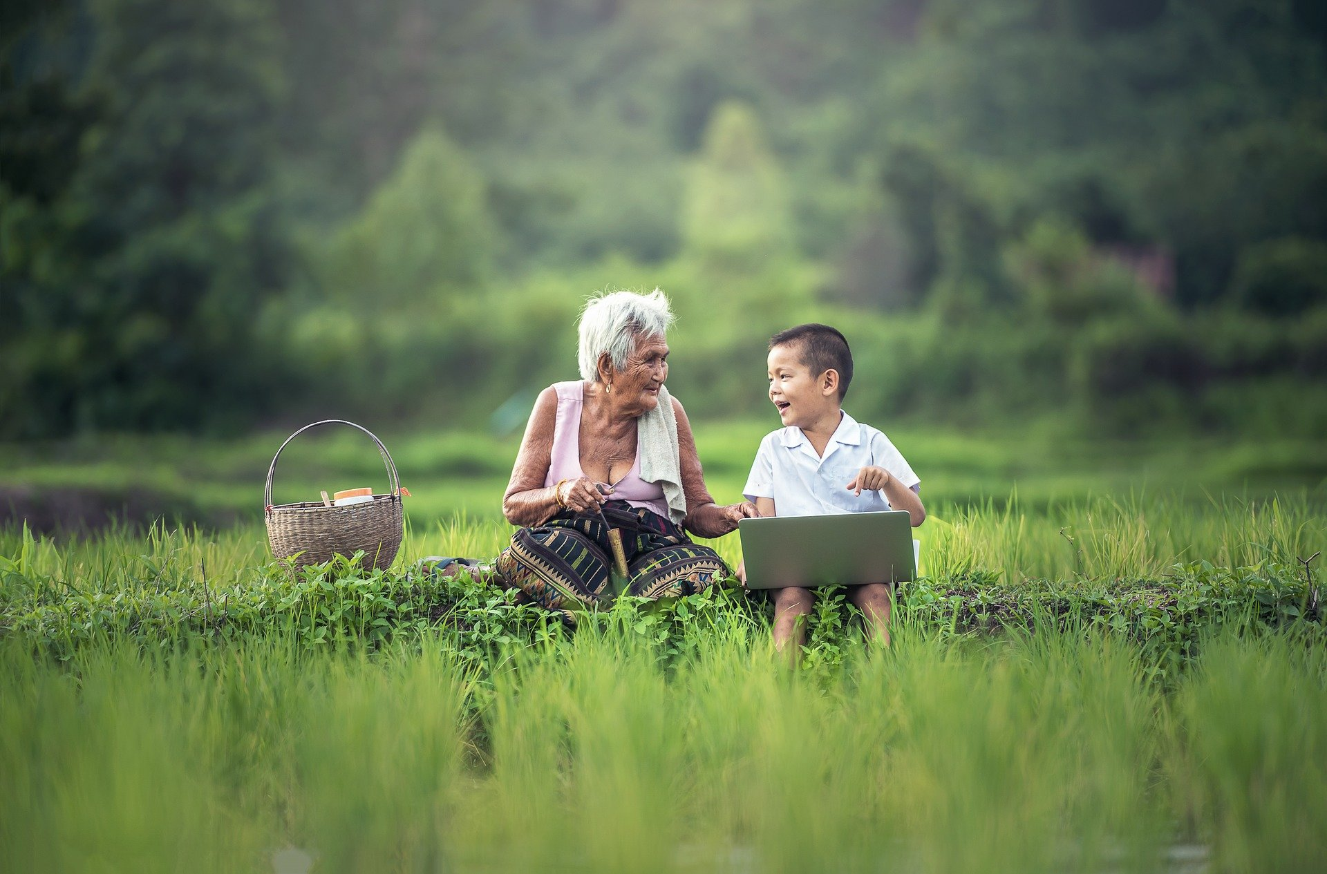 The impact of relatedness on grandmothers' desire to care for ...