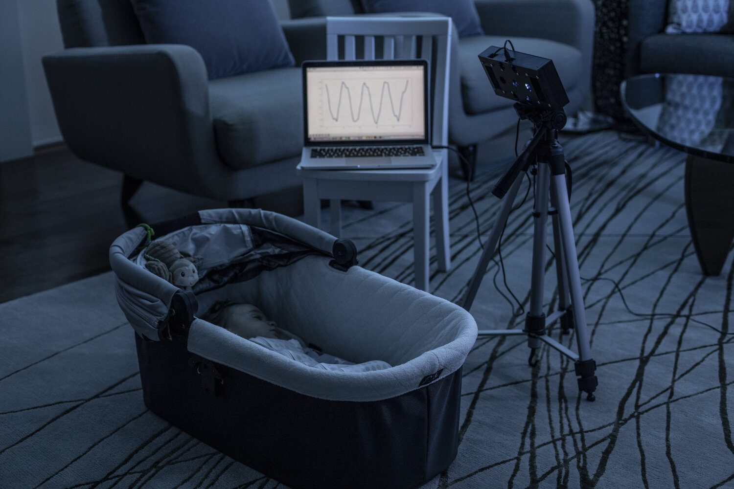 Smart speaker system uses white noise to monitor infants' breathing thumbnail