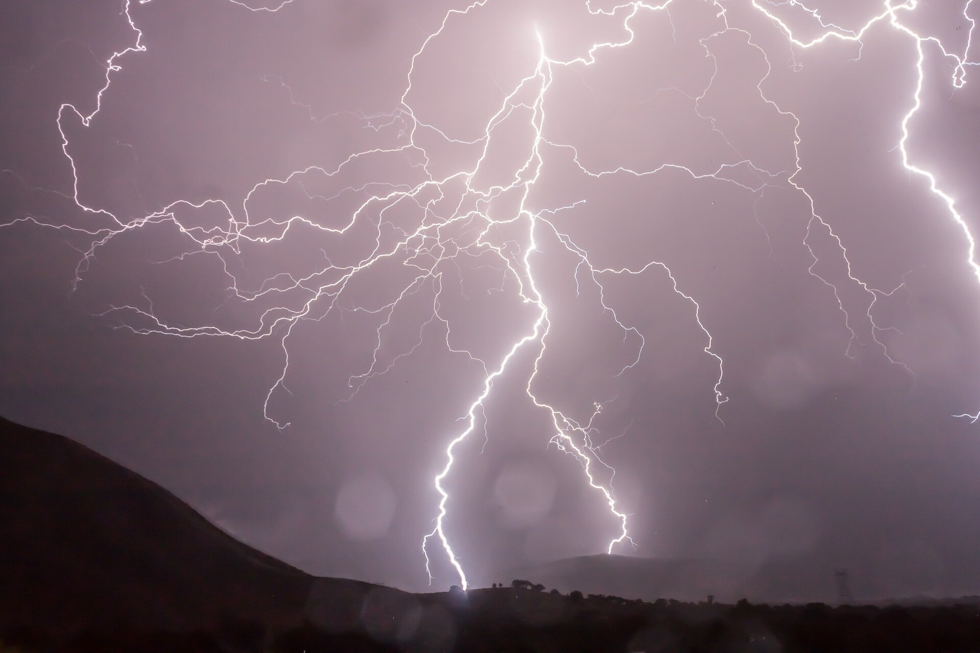 Lightning strikes may trigger short-term thinning in the ozone layer