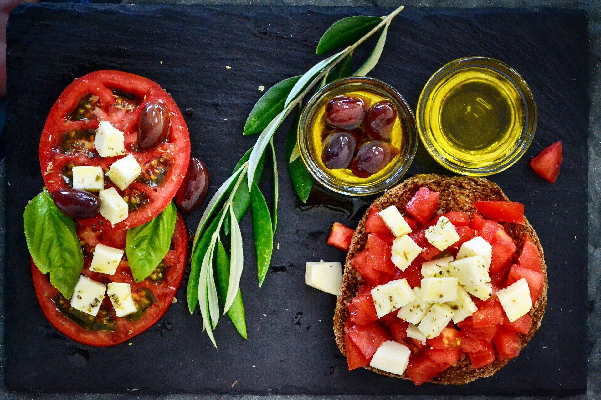 is the mediterranean diet high in cheese