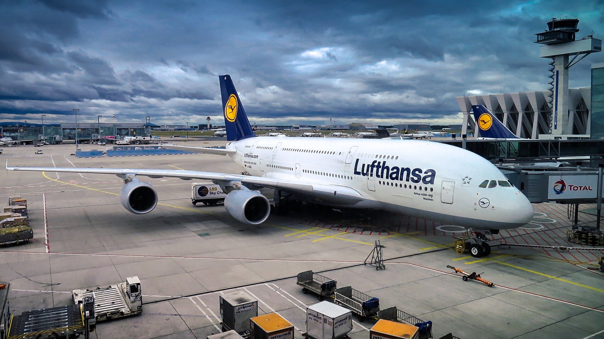 Lufthansa to cancel up to 25% of flights due to virus