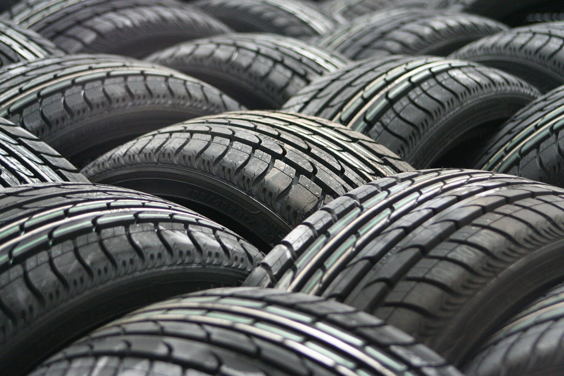 Study reveals substantial quantities of tyre particles contaminating rivers and ocean