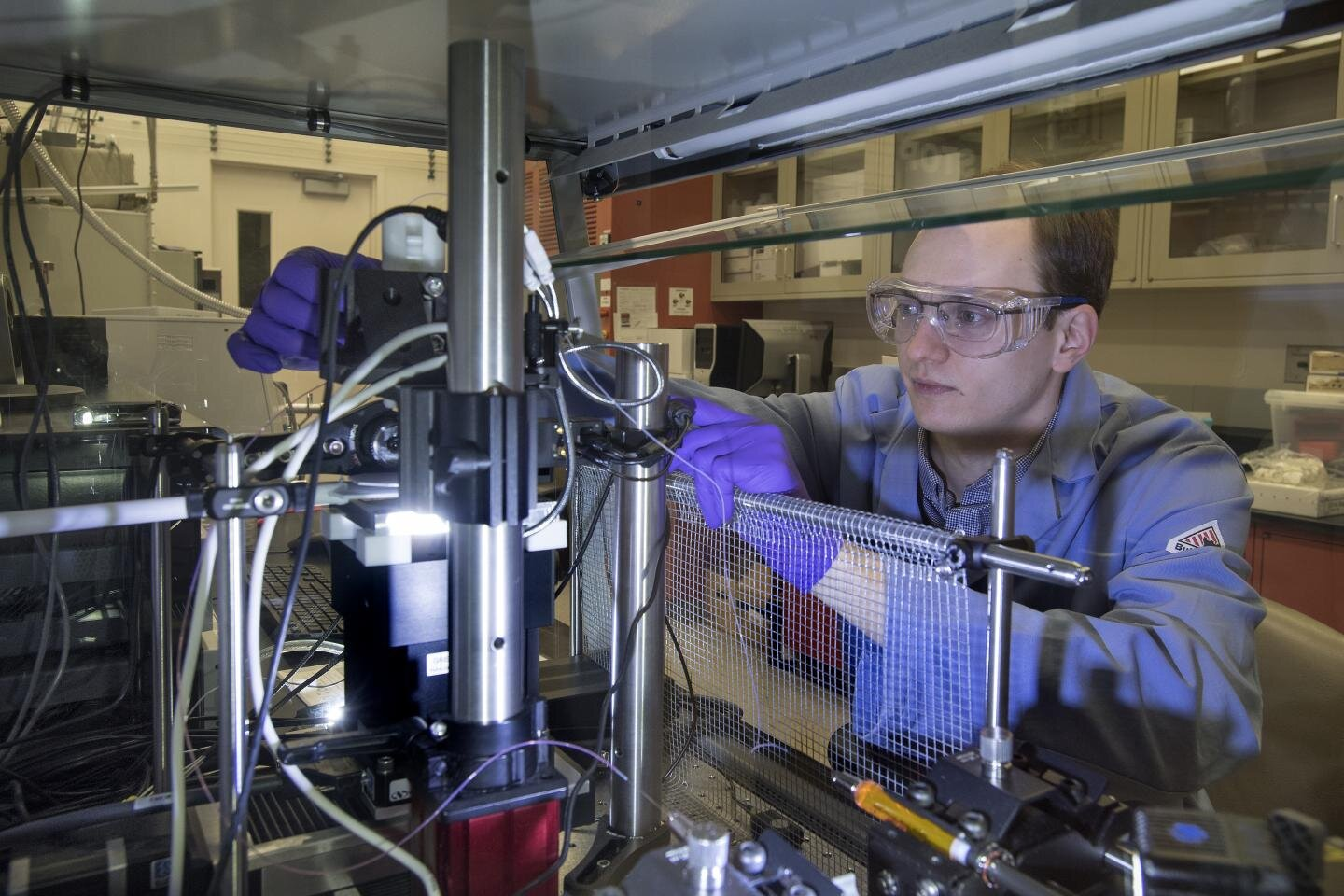 New platform for creating and characterizing material blends could significantly accelerate development