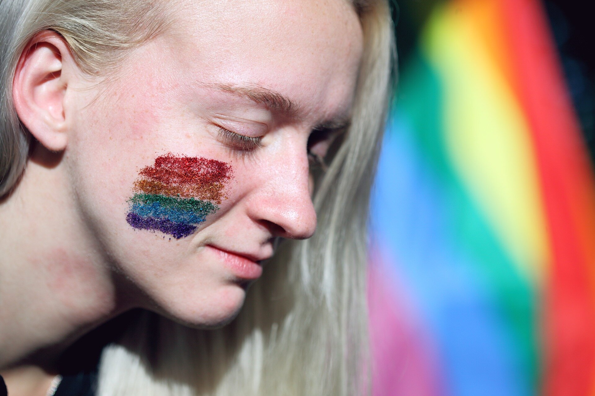 More Teens Coming Out as LGBQ, but Suicide Attempts Still High
