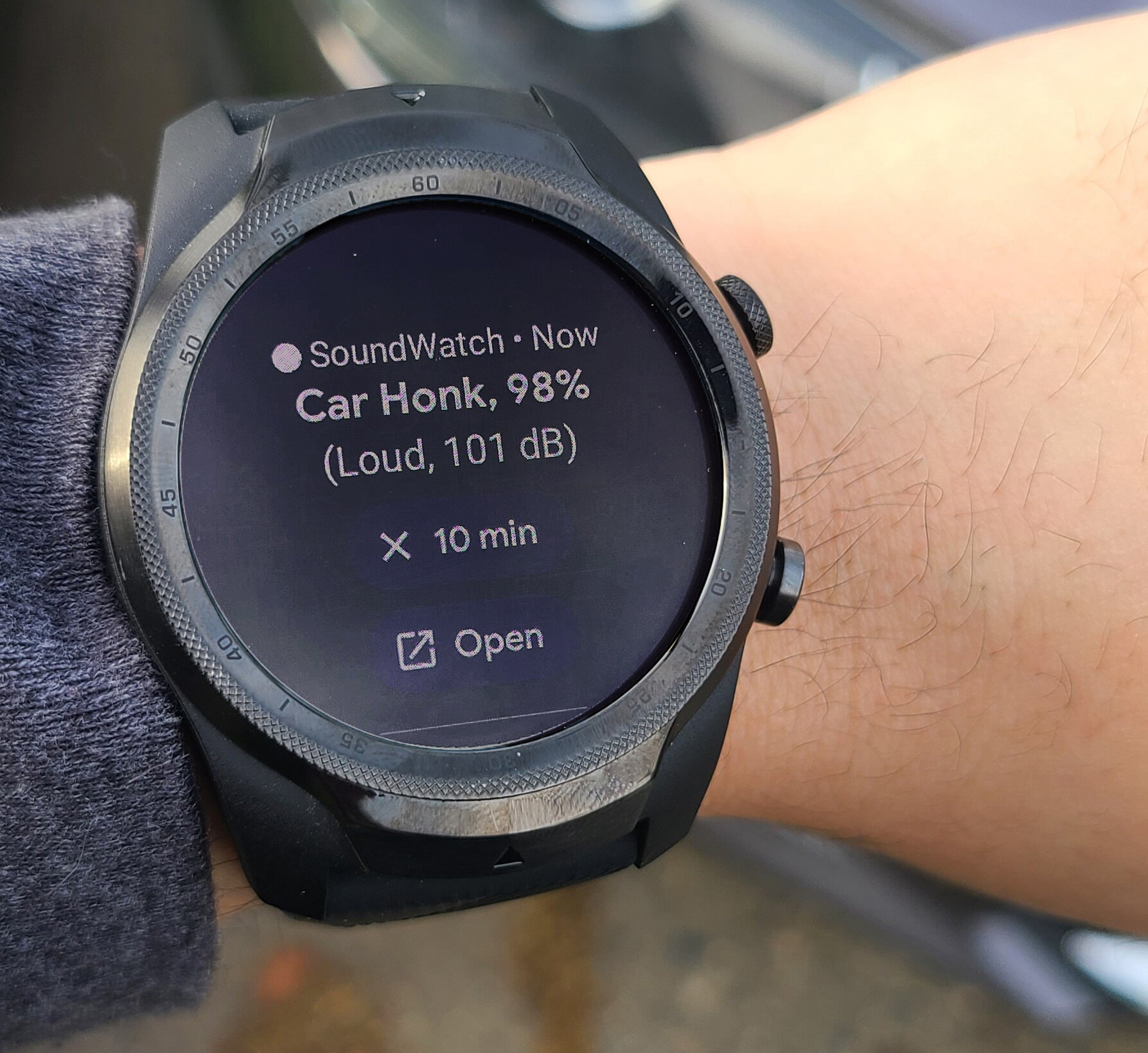New smartwatch app alerts d/Deaf and hard-of-hearing users to birdsong, sirens and other desired sounds