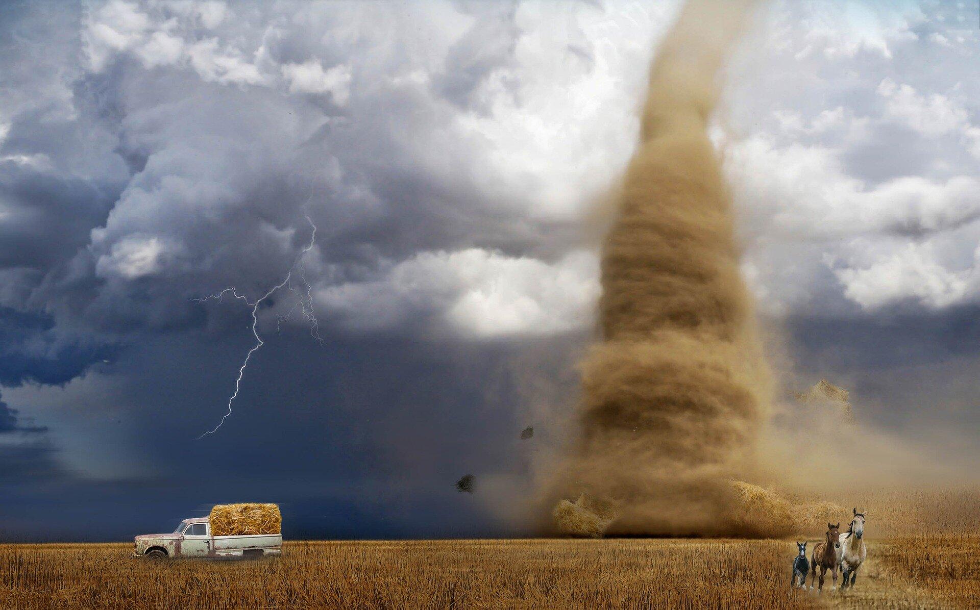 Outside Oz, GLINDA reports on tornado acoustics