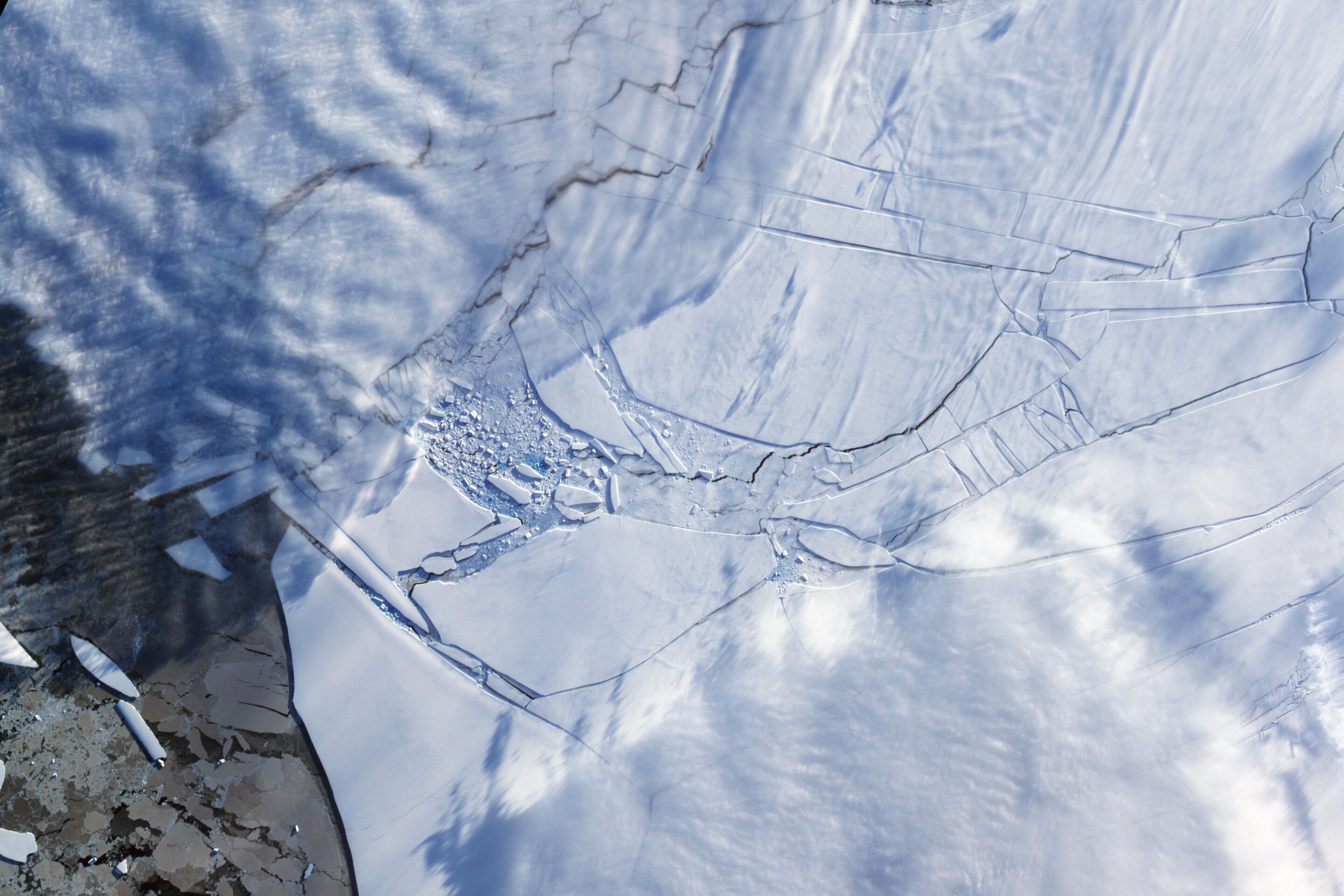 Catastrophic sea-level rise from Antarctic melting possible with severe global warming