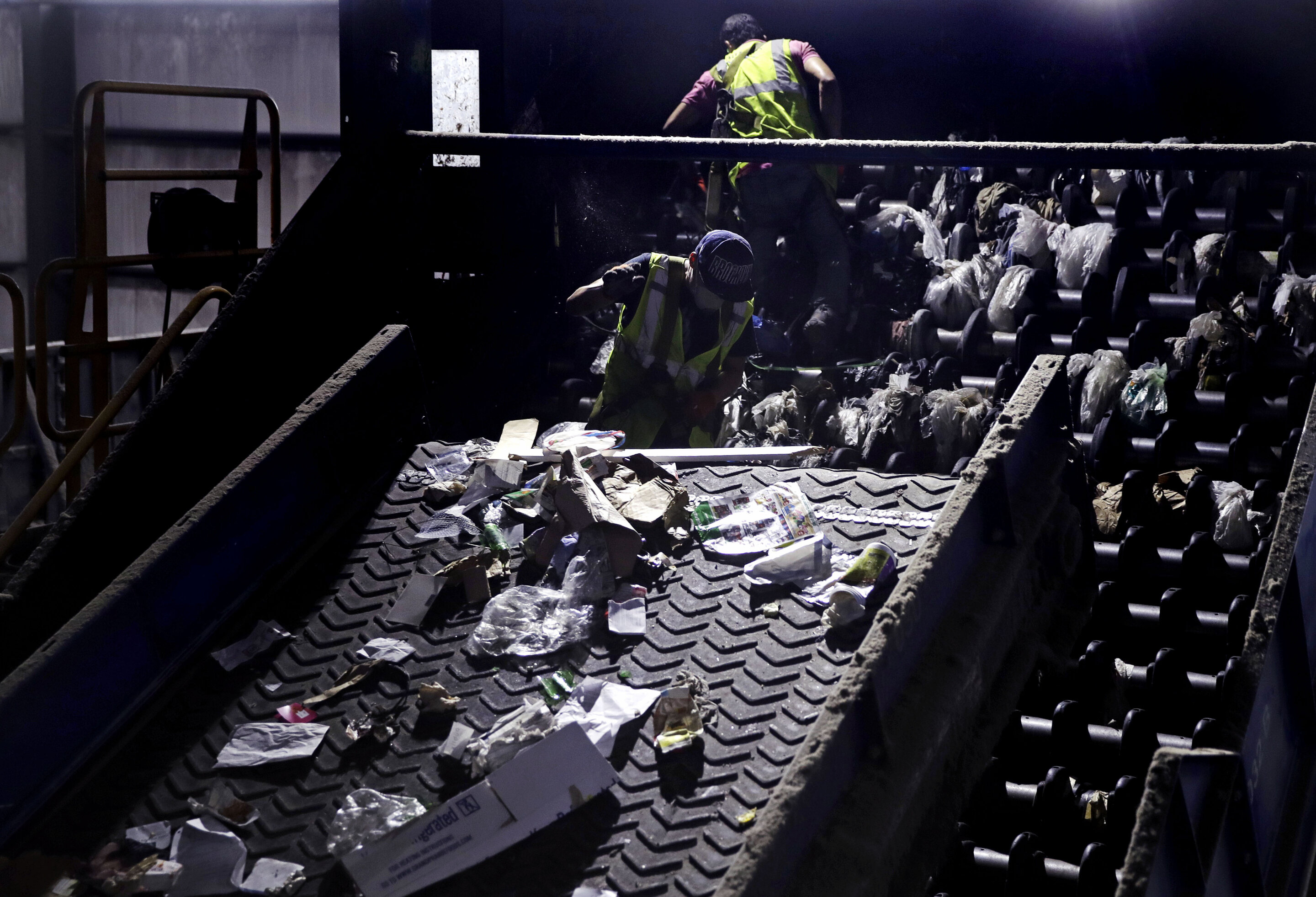 Drive to charge packagers for recycling, but industry fights –