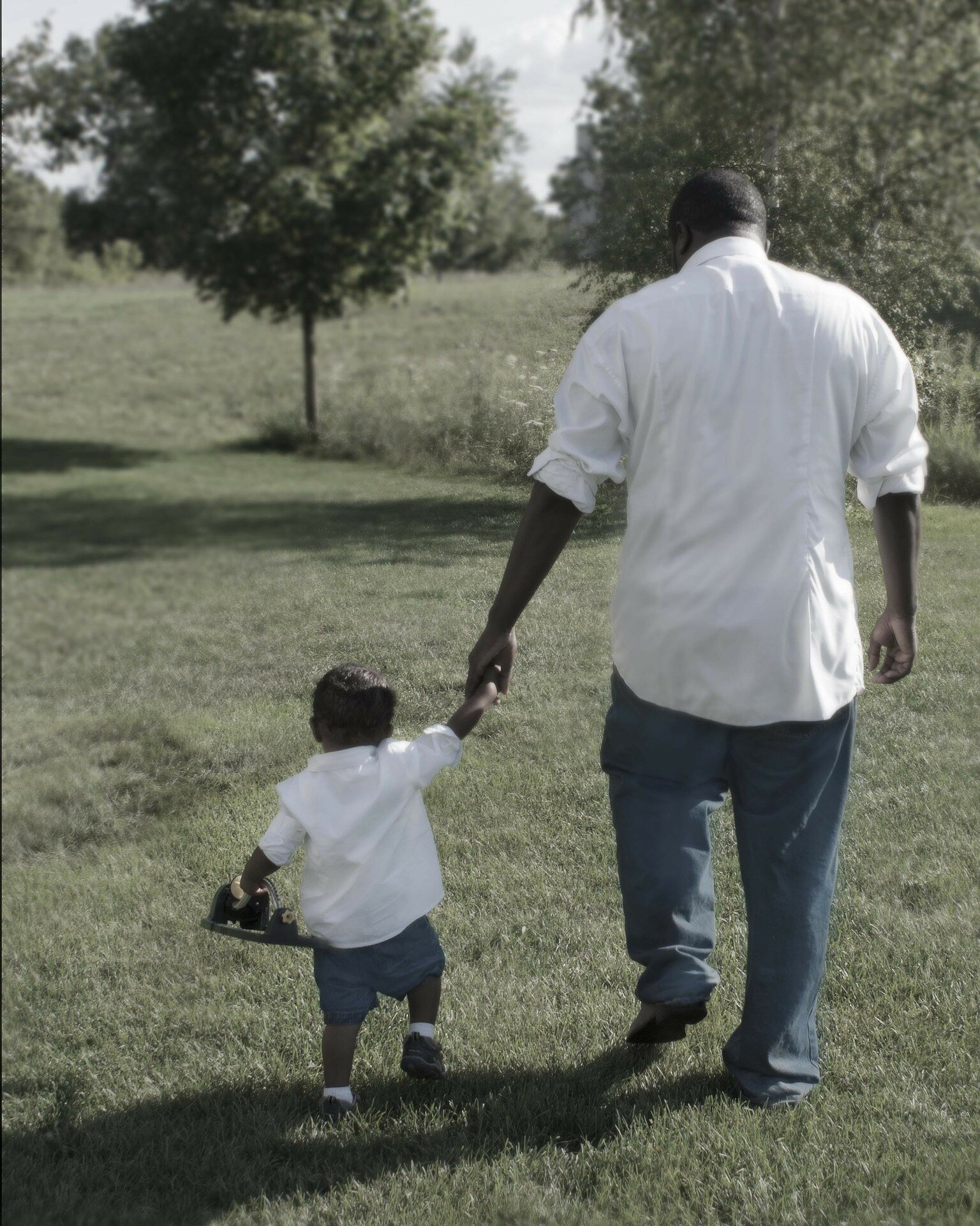 No connection between father-son relationships, adherence to masculine norms