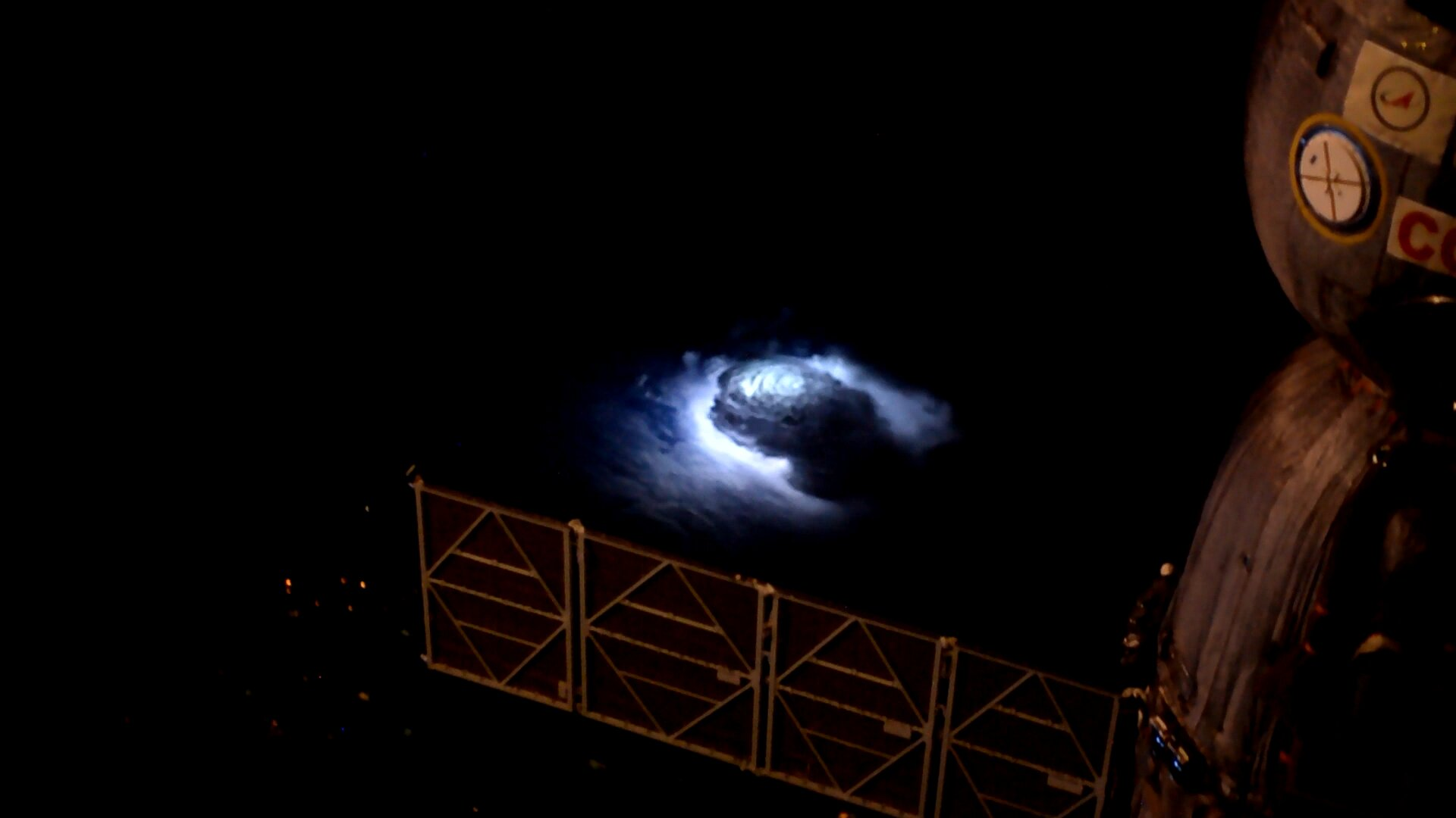 Genesis of blue lightning into the stratosphere detected from ISS