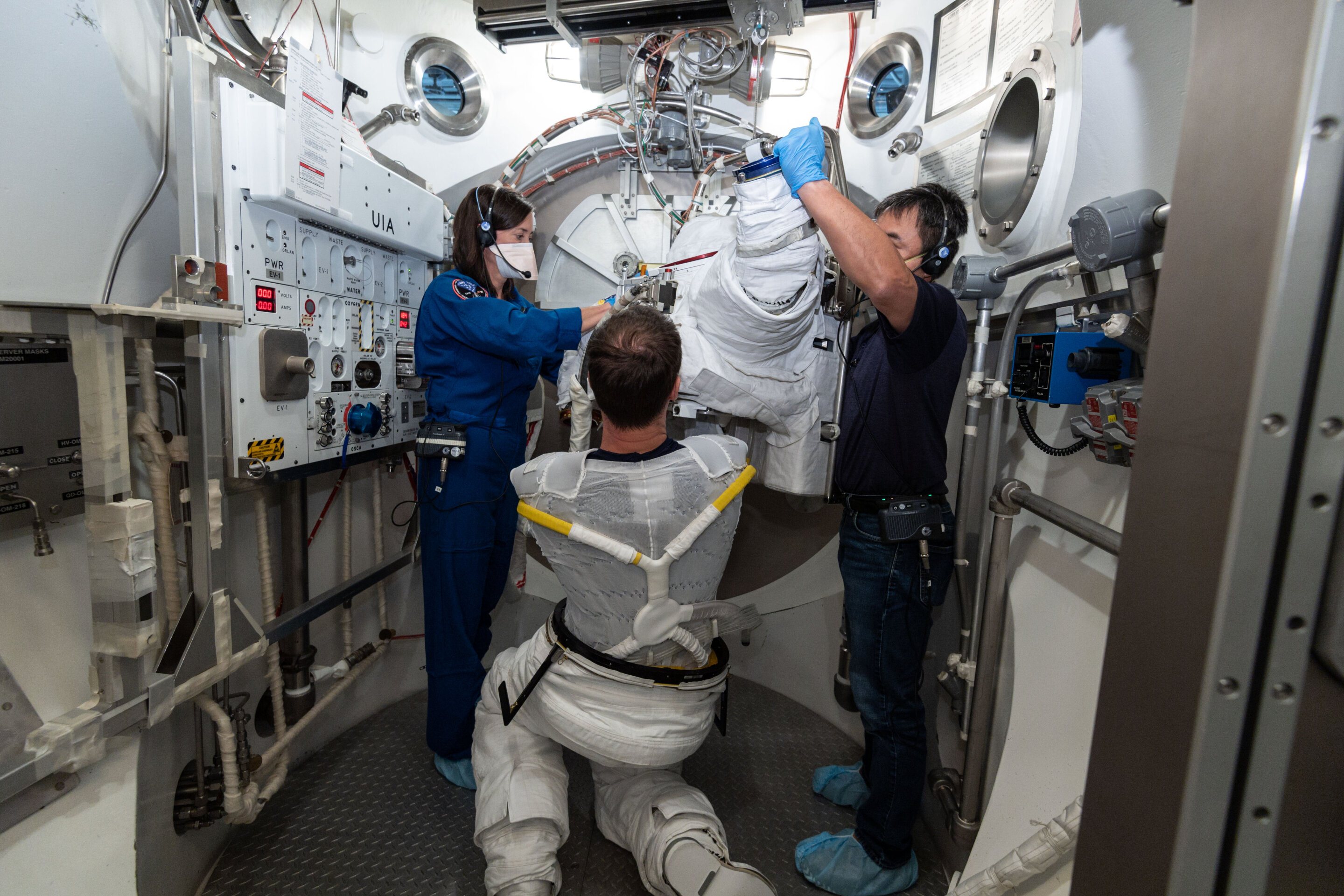 How to keep spacesuit 'underwear' clean?