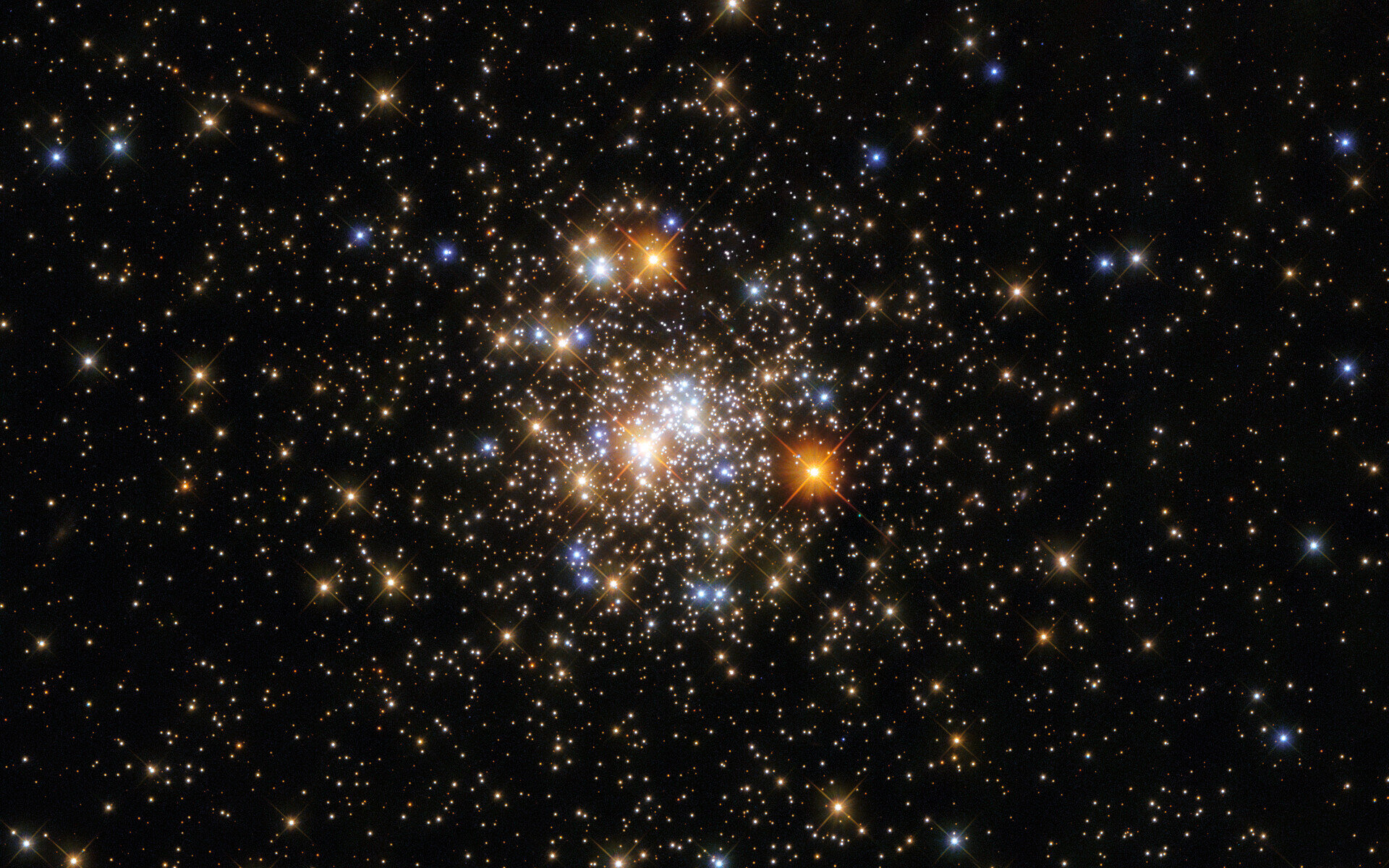 Image: Hubble captures a sparkling cluster