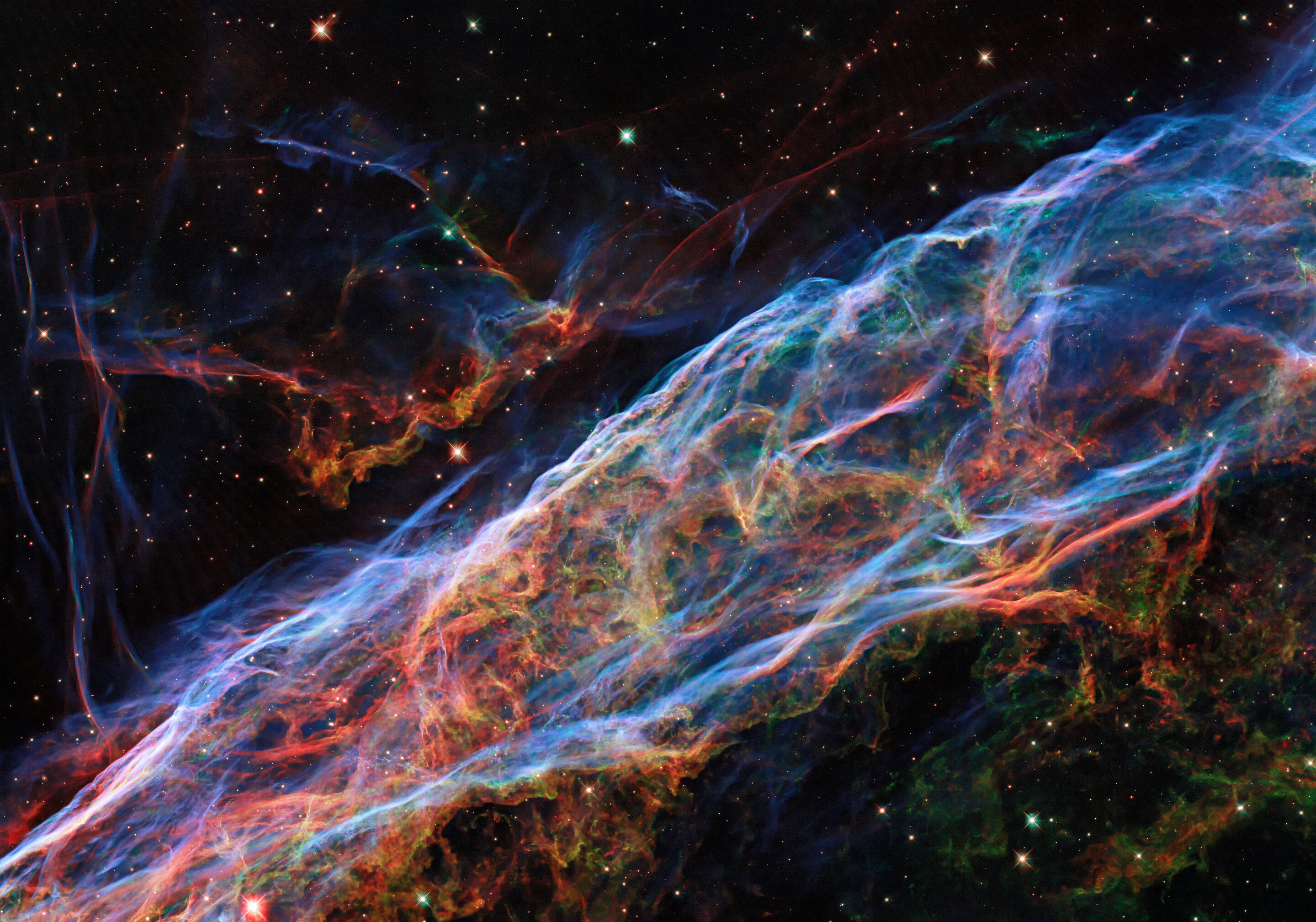 Hubble revisits the Veil Nebula