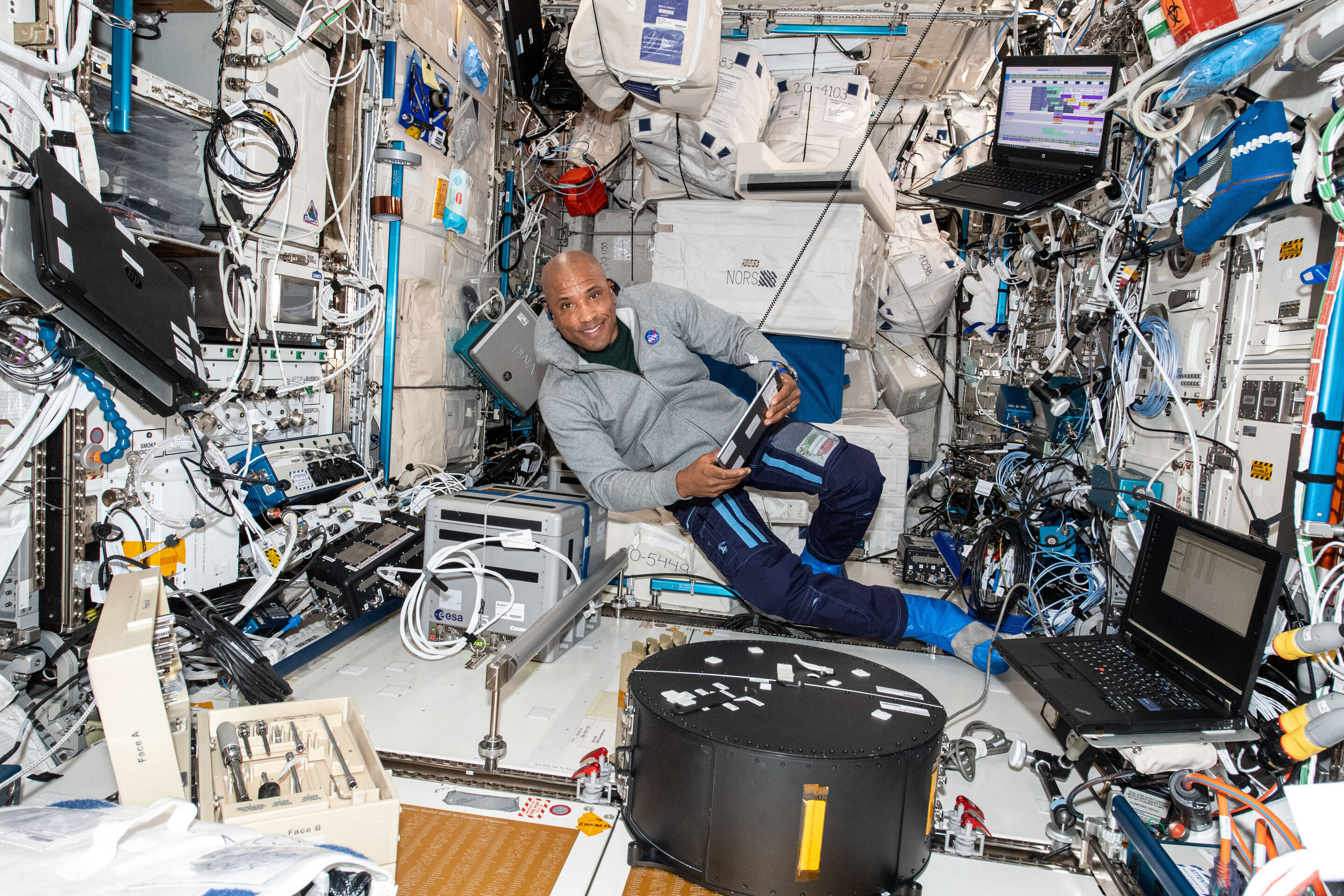 Probing how fluids behave in weightlessness