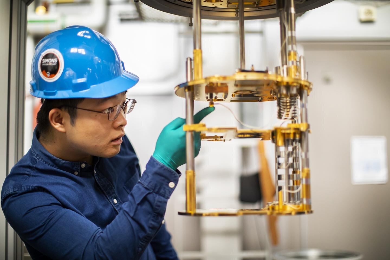 Metamaterial tiles increase sensitivity of large telescopes