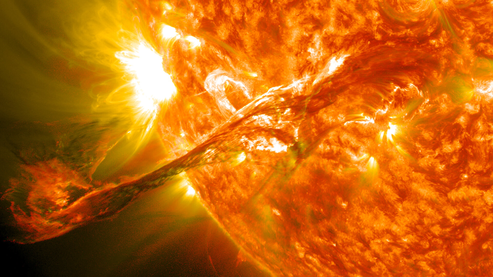 Source of hazardous high-energy particles located in the Sun - Phys.org